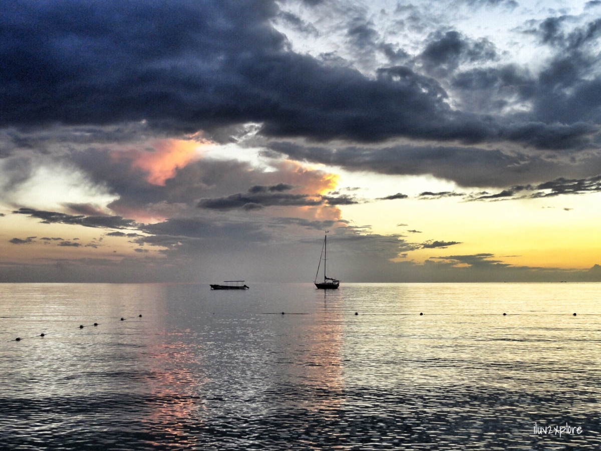 sights... NATURAL Beauty… An ASTONISHINGLY BEAUTIFUL sunset at Seven Mile Beach, Negril, Jamaica